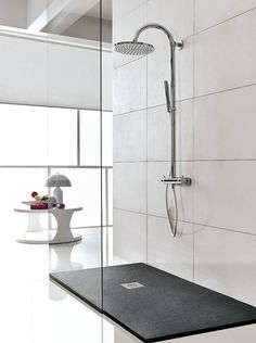 Bathtubs & showers by Muebles Flores Torreblanca