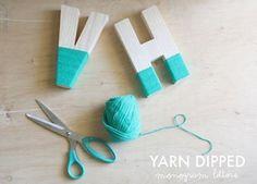 letras de madera con lana de colores