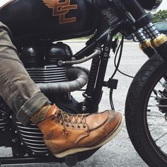 A good pair of boots = a good ride. My Red Wing 875 is one of my favorite riding boots.