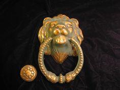 ELEGANT VICTORIAN-STYLE HEAVY BRASS LIONS HEAD DOOR KNOCKER