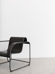we assemble limited edition collections of elevated lifestyle essentials @ minimalism.co #minimal #style #interior