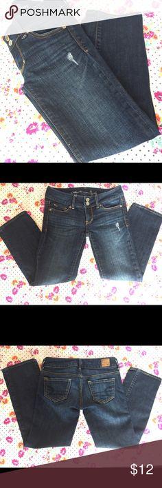 "American Eagle Jean Dark wash American Eagle Jean.    •""Artist"" style.   •Aprox. 23"" inseam.   • American Eagle Outfitters Jeans"