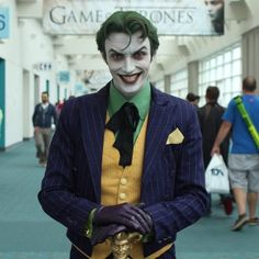 Amazing classic Joker cosplay - look at this guy's makeup!
