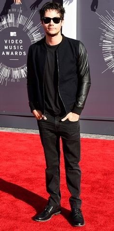 Dylan O'Brien Shows Off Scruff at MTV VMAs 2014 With Finding Carter's Kathryn Prescott: Photo Dylan O'Brien shows off his stubble on the red carpet at the 2014 MTV Video Music Awards held at The Forum on Sunday (August in Inglewood, Calif. Dylan O'brien, Teen Wolf Dylan, Teen Wolf Cast, Scott Mccall, Sterek, Stydia, Mtv Video Music Award, Music Awards, Music Videos