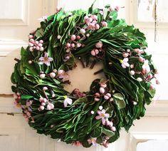 Tavaszi koszorú Wreaths And Garlands, Grapevine Wreath, Grape Vines, Christmas Wreaths, Floral Wreath, Holiday Decor, Floral Crown, Vineyard Vines, Vines