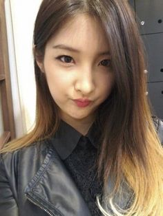 4minute's Jihyun updates fans with a gorgeous selca ahead of comeback