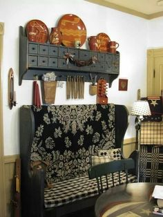 Primitive ~ I just love the shelf on the wall! Primitive Living Room, Primitive Homes, Primitive Furniture, Primitive Antiques, Primitive Decor, Primitive Country, Primitive Shelves, Prim Decor, Country Decor