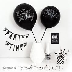 Can write on black balloons Baby Birthday, 1st Birthday Parties, Birthday Wishes, Black White Parties, Black Party, Panda Party, Happy Party, Festa Party, Happy B Day