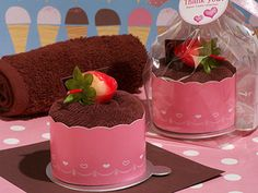 Cassiani Collection 6062 Sweet Treats Collection Cute Cupcake Towel Favor    #Cassiani #favor