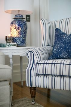 Interior Living Room Design Trends for 2019 - Interior Design Hamptons Living Room, Coastal Living Rooms, Home And Living, Living Room Decor, Hamptons Style Bedrooms, Hamptons Style Decor, Small Living, Dining Room, Blue Rooms