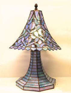 https://www.absolutearts.com/glass_stained/hana_kasakova-lamp_richelie-1435346479.html