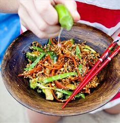 Is raw food diet healthy? What do raw fooders eat, what is raw food diet plan. Feel vibrant and healthy by eating a raw food diet for weight loss. Raw Food Recipes, Veggie Recipes, Asian Recipes, Diet Recipes, Vegetarian Recipes, Healthy Recipes, Love Food, A Food, Food And Drink