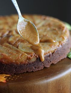 Paleo Caramel Apple Upside Down Cake (AIP) - an easy upside down cake full of Fall flavors, crisp apples, and salted pumpkin caramel sauce! | fedandfulfilled.com