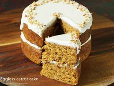 Eggless carrot cake recipe with homemade cream cheese frosting. This delicious, moist & soft eggfree cake is easy for beginners. Eggless Carrot Cake, Easy Carrot Cake, Moist Carrot Cakes, Eggless Recipes, Healthy Cake Recipes, Baking Recipes, Dessert Recipes, Eat Healthy, Hot Milk Sponge Cake Recipe