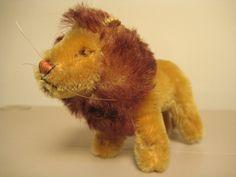 Alexia   Steiff Vintage Small Leo Lion - King of the Tiny Jungle. $37.99, via Etsy.