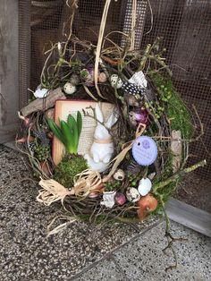 In der Hasenschule - Frühlings Türkranz von FRIJDA im Garten - Aus einer Idee wurde Leidenschaft auf DaWanda.com