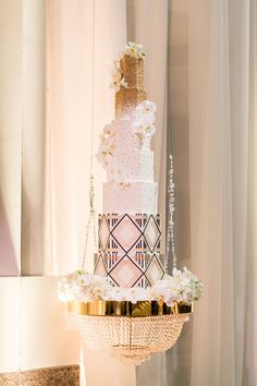An Art Deco Wedding at Ronald Reagan Building & International Trade Center in Washington, DC Tall Wedding Cakes, Luxury Wedding Cake, Beautiful Wedding Cakes, Glamorous Wedding, Wedding Desserts, Elegant Wedding, Art Deco Wedding, Wedding Cake Designs, New Years Eve Weddings