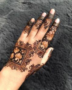 Mehndi Designs Finger, Floral Henna Designs, Back Hand Mehndi Designs, Henna Art Designs, Mehndi Designs For Girls, Mehndi Designs For Beginners, Modern Mehndi Designs, Dulhan Mehndi Designs, Mehndi Design Pictures