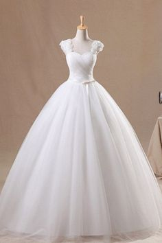 Sleeveless Sweetheart Ball Gown Wedding Dress with Ruched Bodice