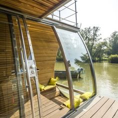 Floating Eco-Cabin by Architect: Marijn Beije of LINES Designworks Wonderful Places, Great Places, Beautiful Places, Travel Around The World, Around The Worlds, Garden Huts, Places To Travel, Places To Visit, Eco Cabin