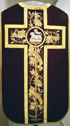 Elcacf Prayer Cross Necklace,Fantasy Flame Evolution Dragon Print Graphic Religious Pendant