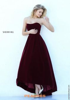 HERE IT IS AGAIN THIS IS TOTALLY MY DRESS CALLED IT NO ONE ELSE ON EARTH CAN HAVE UT MINE!!!!