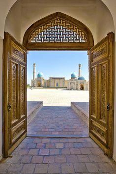 zarzor:    Madrasa gate by B E N N E on Flickr.  Uzbekistan