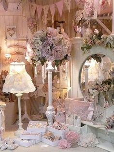 Romantic Room, all Shabby Chic. Who lives like this? *so wonderful