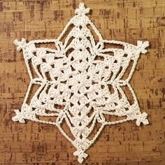 crochet elements Williams star First dc on every row is join the row whit stitch in the first ch. Picot group= stitch in first ch, stitch in first Crochet Snowflake Pattern, Crochet Stars, Christmas Crochet Patterns, Crochet Motifs, Holiday Crochet, Crochet Snowflakes, Christmas Snowflakes, Thread Crochet, Crochet Crafts