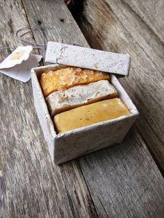 caixa com sabonetes