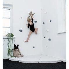 Thats Mine klatregreb, small, vægtype beton - grå Climbing Wall Kids, Climbing Holds, 4 Kids, Diy For Kids, Children, Girl Room, Girls Bedroom, Kids Wallpaper, Inspiration For Kids
