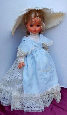 Furga MOD DEP. 2 Doll Italy Lace Blonde Hair Gorgeous Sleepy Blue Eyes 17""