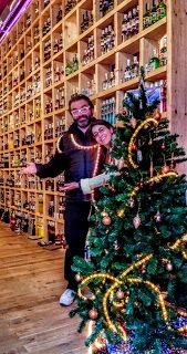 CERVEZA YAÑEZ imaginada al alimón con taraverdeeconatupíritus afines creando nueva original cerveza: Feliz Navidad!! Y el lunes estamos abiertos!
