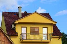 Pozor na přehřívání podstřešních a půdních prostor Roof Tiles, Gazebo, Outdoor Structures, Cabin, Mansions, House Styles, Home Decor, Kiosk, Decoration Home