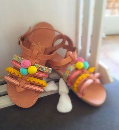 Boho girls like Pom pons! Boho Sandals, Kids Sandals, Greek Sandals, Leather Sandals, Baby Girl Shoes, Girls Shoes, Toddler Fashionista, Flatlay Styling, Boho Girl