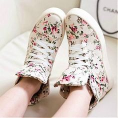 [36.06] Beautiful Fabric Printing Multi-color Round Closed Toe Flat Low Heel Boots - Sweetiee.com