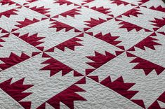 Grand Right and Left quilt by Lynn Harris at The Little Red Hen. Love the red and white and the quilting