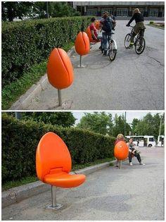Sillas creativas tulipán  en Eindhoven. Holanda.
