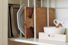 Small Kitchen Organizing Ideas - Pantry Dividers - Click Pic for 42 DIY Kitchen Organization Ideas & Tips Are those tension rods? Diy Kitchen Storage, Kitchen Pantry, Kitchen Hacks, Kitchen Organization, Organized Kitchen, Kitchen Shelves, Kitchen Cabinets, Cupboard Shelves, Kitchen Ideas