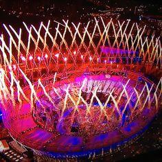 London 2012 Olympics opening ceremony fireworks. Genial la ceremonia de apertura!!!