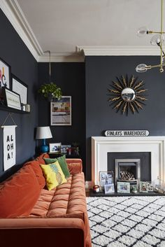 Room Decorating – Home Decorating Ideas Kitchen and room Designs Farrow And Ball Living Room, Dark Living Rooms, Living Room Orange, New Living Room, Living Room Sofa, Home And Living, Living Room Decor, Interior Design Living Room, Living Room Designs