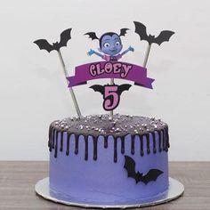 4th Birthday Cakes, Girls Birthday Party Themes, 4th Birthday Parties, Baby Birthday, Birthday Ideas, Extreme Cakes, Galaxy Cake, Candy Cakes, Diy Cake
