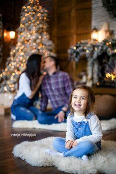 Family portrait, family session, family photo, family photographer, idea, new year, merry christmas, новый год, рождество, новогодняя фотосессия, семейная фотосессия, семья, Мария Михайлюк