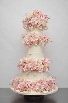 Beautiful Cakes | swooning when to know about such a simple but elegant cake topper