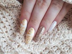 Paznokcie hybrydowe / złote różyczki / NeoNail