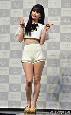 Pin on Ultimate Dream Girls Pin on Ultimate Dream Girls Korean Beauty Girls, Korean Girl Fashion, Asian Beauty, Beautiful Girl Image, Beautiful Asian Women, Cute Young Girl, Cute Japanese Girl, Cute Asian Girls, Asian Woman