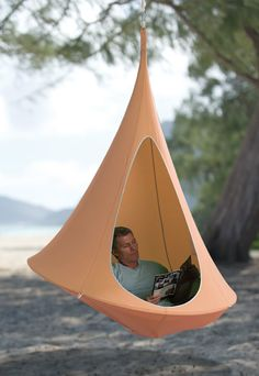 Hanging Cacoon... I want this.
