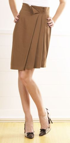 Love this skirt - I need to get more for fall.
