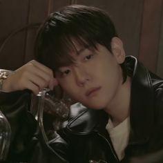 Baekhyun, Baby Corgi, Blackpink Video, Kpop Exo, Chinese Boy, Chanbaek, Indie Kids, Love You So Much, Bambi