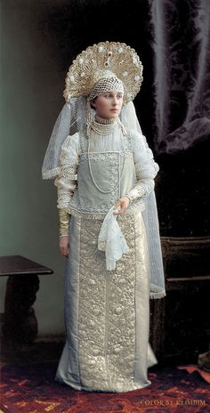 Ghosts of Imperial Russia: Land of the Czars — klimbims: Costume ball 1903 - One of. Historical Costume, Historical Clothing, Traditional Fashion, Traditional Dresses, Vintage Outfits, Vintage Fashion, Russian Culture, Winter Palace, Embellished Gown
